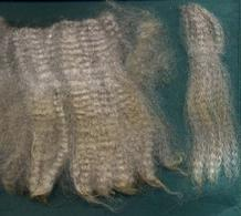 Fine alpaca fleece for sale - grey; Machu Pichu.